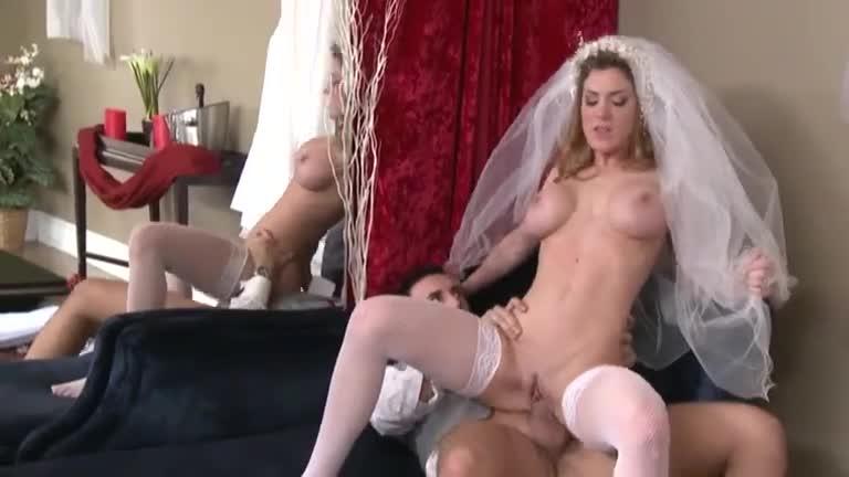 Порно видео с невестами в белых чулках