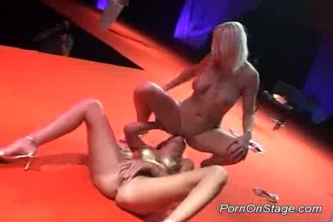 ультра приват танец порно - 14
