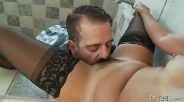porn eating her out