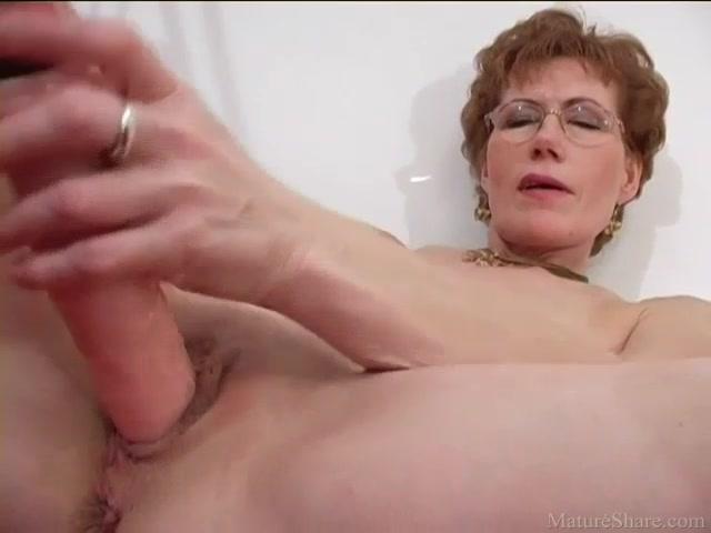 Hot sluts giving head