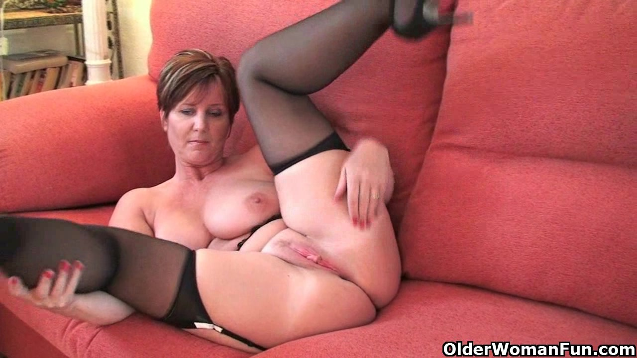 Milfs fanny and huge tits for that