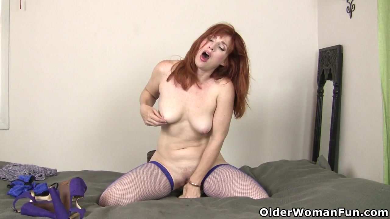 Hot Nude Photos Watch wife give a car blowjob to a stranger