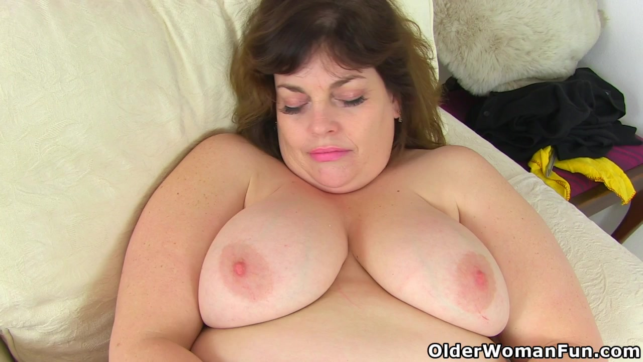 Forced lick cum off her
