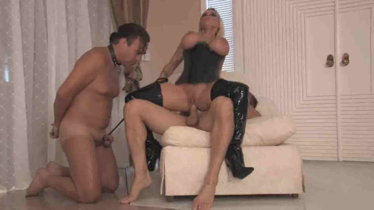 наказала любовницу мужа порно начал проникать