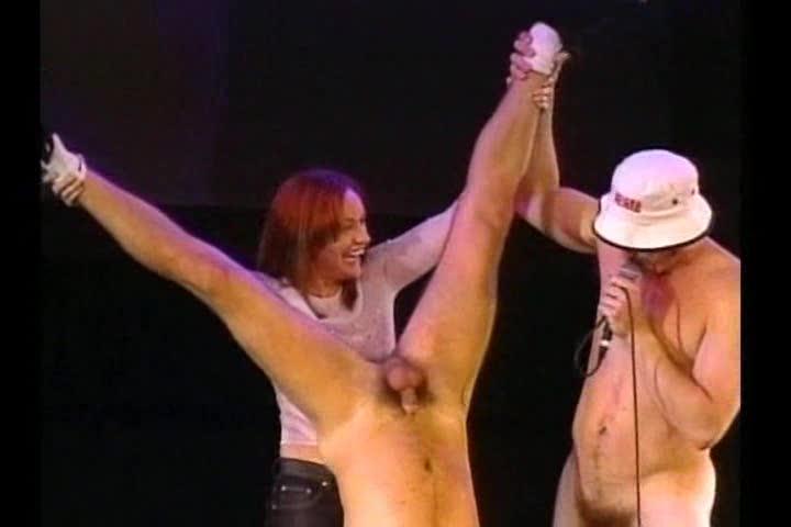 порно акробатка в цирке этих
